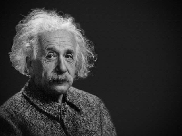 This image has an empty alt attribute; its file name is albert-einstein-1933340_1280-640x480.jpg