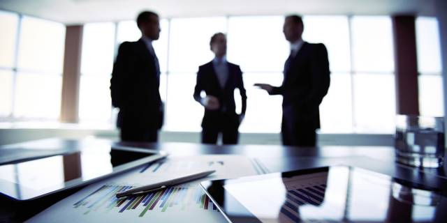 This image has an empty alt attribute; its file name is business-meeting-640x320.jpg